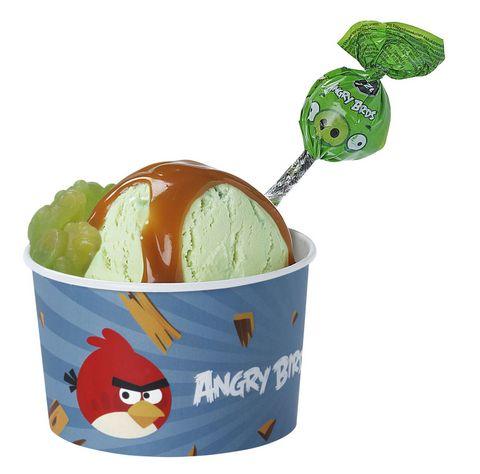 Vihrea Possu jaateloannos Vihaiset linnut pyrähtävät jäätelökioskille