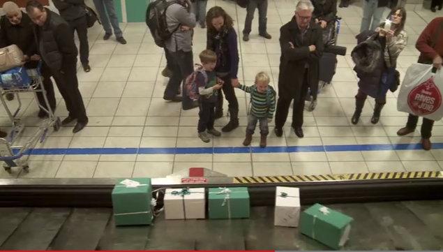 Koko näytön kaappaus 11.12.2013 130611 Lentoyhtiön huikea jouluyllätys matkustajille