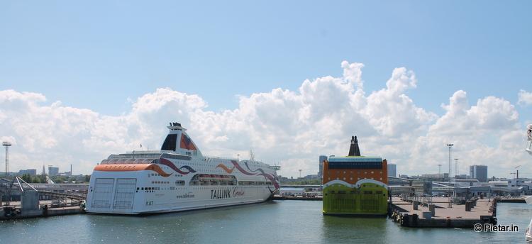 IMG 0352 Murtovarkaat kyttäävät satamassa lähtevien rekisterinumeroita