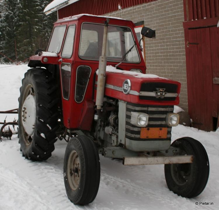 Traktori 020 70 vuotias mies kuoli traktorinsa alle