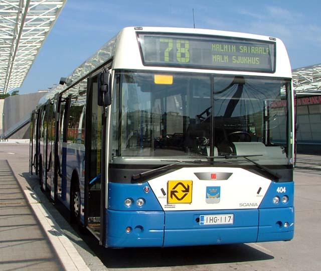 HKL bussi 78 Vuosaari Poliisi pyytää havaintoja: Mies horjahti päin linja autoa