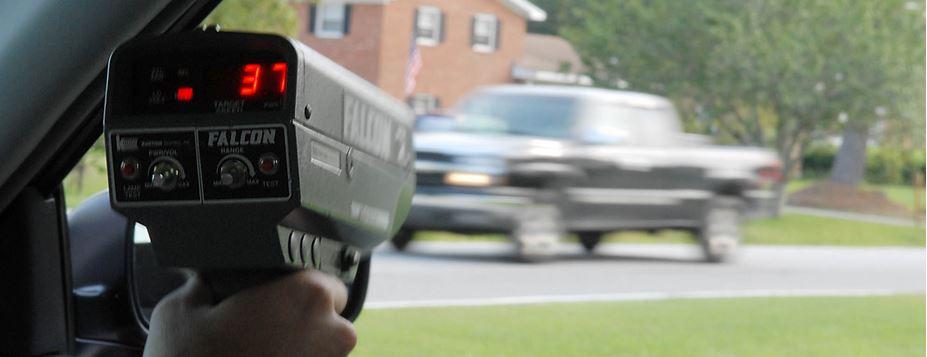 speed Järjetön kilpa ajo Kuutostiellä   Subaru katosi poliisilta
