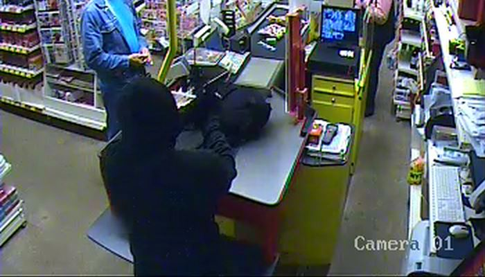 Poliisi julkaisi kuvan ryöstöstä – Puhui paikallismurteella