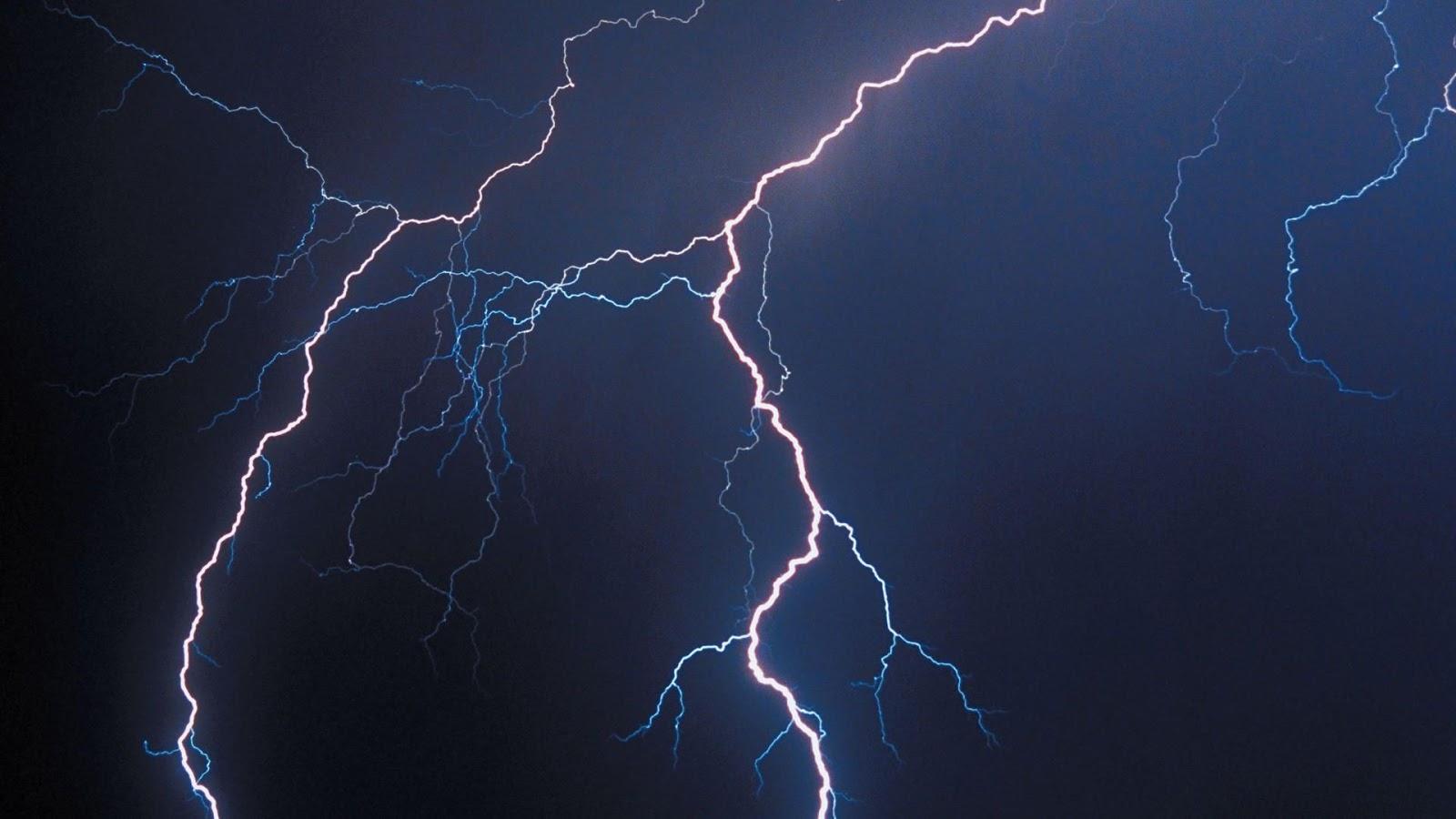 lightning21 Seuraa ukkosia netistä