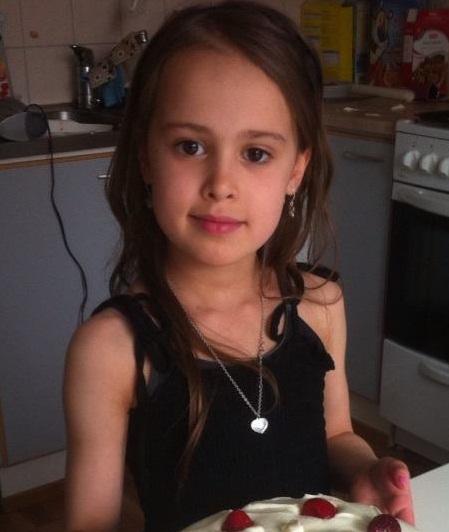 sandra 8 vuotias katosi kaksi viikkoa sitten   Poliisi epäilee: Isä kaappasi ulkomaille