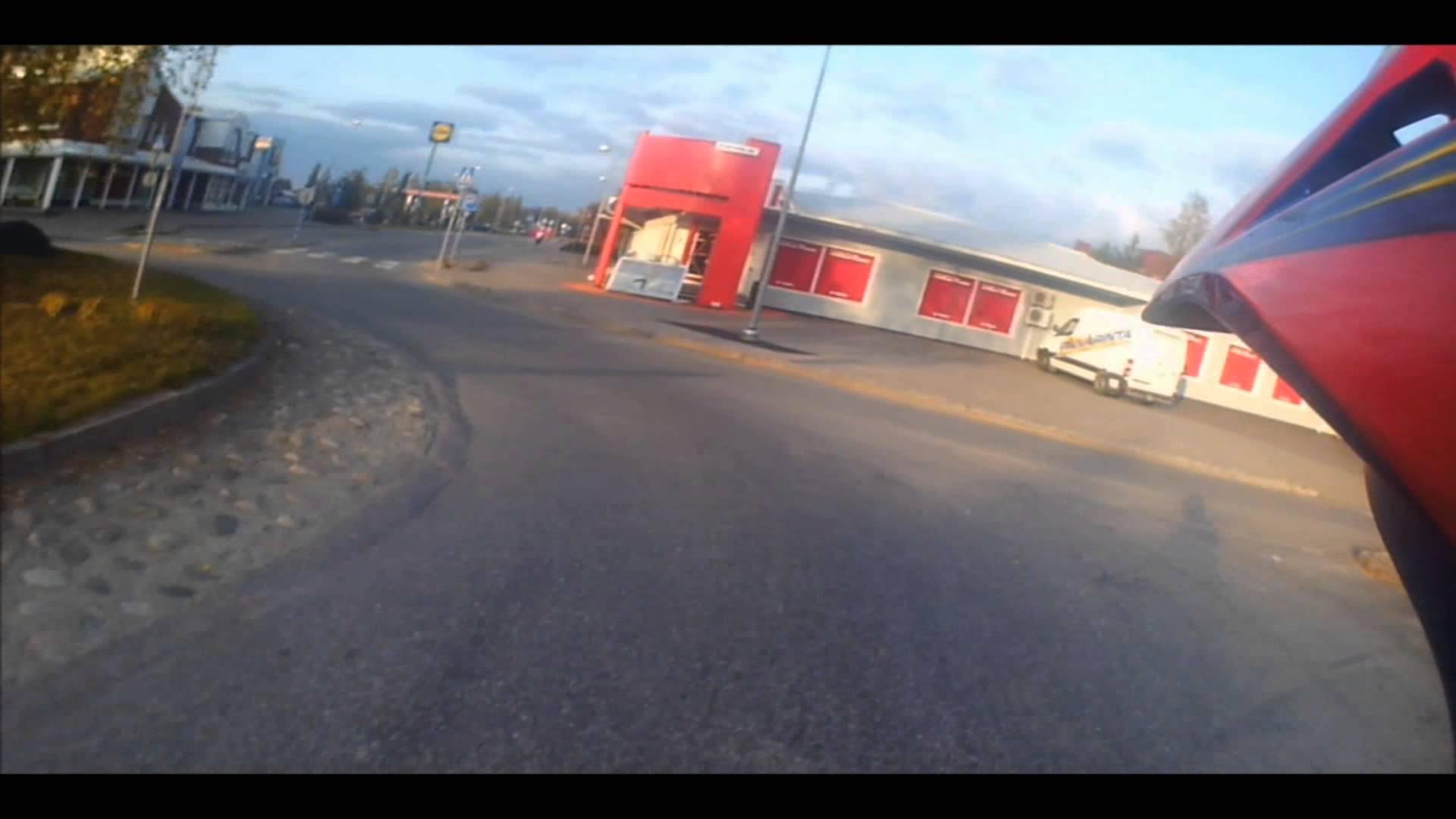 maxresdefault Mopopoika pakeni poliisia – Kypäräkamera tallensi nolon lopun