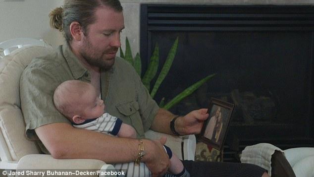 39E5361D00000578 3888148 image a 12 1477874811873 Nainen kuoli synnytyksessä   Mies löysi tavaroista upean lahjan vauvalle