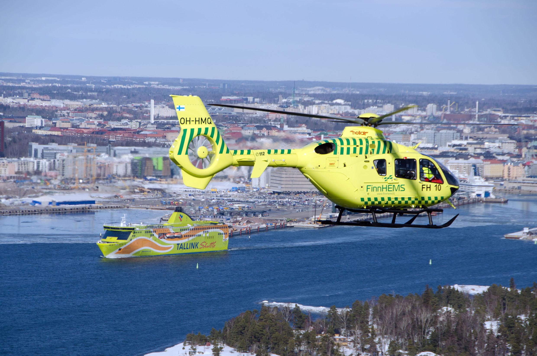 3 Kopteri kaupunki Mies sohi laservalolla pelastushelikopteria   Lentäjälle silmävaurio