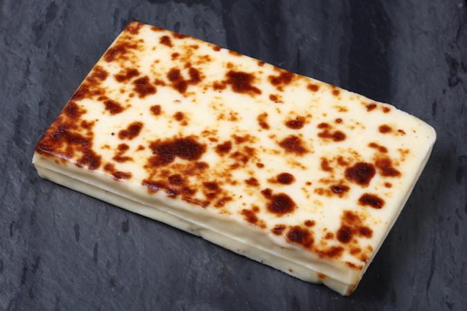 """c fit f auto h 450 w 750 v1474336709 cheeserank media image bread cheese header 1474336697561 jpg Jenkkisivusto listasi 23 suomalaista herkkua: """"Näitä jokaisen pitäisi maistaa"""""""